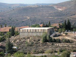 Synagogue_Modeled_On_Biblical_Mishkan_Tabernacle_Tel_Shiloh_Israel